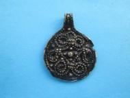 Серебряная позолоченная древнерусская монетовидная привеска со скандинавским мотивом