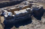 Рис. 14. Общий вид на каменный склеп кургана 4 могильника Цементная слободка 1