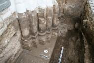 Северный портал церкви Рождества Богородицы в Боголюбове. Полуколонны, дополненные малыми колоннами.
