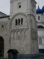 Лестничная башня церкви Рождества Богородицы в Боголюбове.