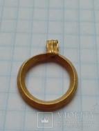 Золотой кольцеобразный амулет Черняховской культуры