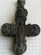 Классический, литой в каменную форму энколпион Богородица помогай. Конец 12 - первая половина 13вв.