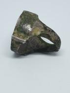 Коробчатый серебряный перстень с квадрифолийным щитком, вторая половина 12 века