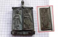 Нательная иконка складень Богородица Одигитрия без одной створки