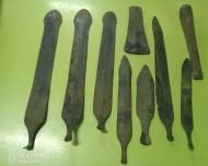 Клад ножей-кинжалов катакомбной культуры. (средний бронзовый век 25-20 вв. до н. э.)