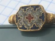Перстень з перебірчастими емалями. Русь, 12 ст.