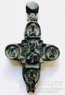 Энколпион Распятие Христово с предстоящими Св. Николай Чудотворец.15-16 век.