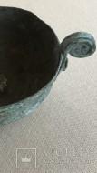 Древняя бронзовая чашечка с остатками серебрения