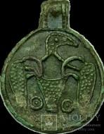 Древнерусская круглая привеска с орнитоморфным изображением. 10-11 ст