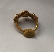 Перстень «Рукопожатие» вт. половины 16 - 17 века, золото