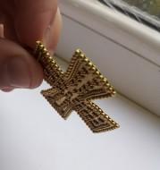 Золотые средневековые украшения, украшенные зернью