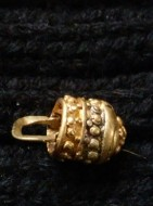 Золотая корзинка-ароматница, украшена зернью