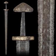Прекрасный меч викингов. По Петерсену - тип Н по Уилеру - тип II. 9 век
