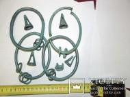 Четыре браслета и колоколовидные подвесы, поздний бронзовый век 1700-900 до н.э.