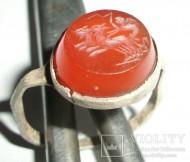 Серебряный перстень с геммой Колесничий