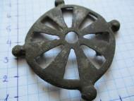 Фибула в виде солнца. Киевская археологическая культура