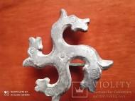 Фибула в виде 4 лошадинных голов. Рим периода 4-5 века