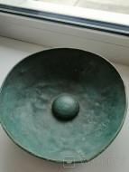 Древняя бронзовая миска