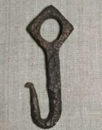Крюк средневековый с орнаментом