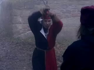 Упражнения с мечом