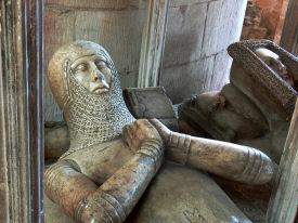 надгробие рыцаря