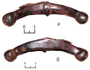 Перекрестье: лицевая сторона (а); тыльная сторона (б)