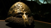 Шлем из железа и золота, обнаруженный в Запорожской области (в Чингульском кургане)