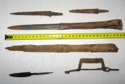 Хазары, набор воина - наконечники копья 2 шт., ножи 3 шт.