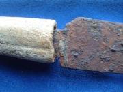 Большой нож с костяной рукояткой