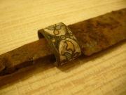 Нож поздний 17-18 век, ручка - бронза в эмали, лезвие - железо