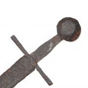 Меч средневековый, принадлежавший рыцарю-тамплиеру?