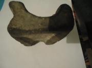 Литейная форма бронзового века на три предмета, центральная часть формы для отливки двух видов кельтов и долота