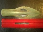Древний бронзовый наконечник стрелы