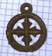 подвеска крест с позолотой
