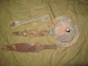 Детали щита и наконечники копий