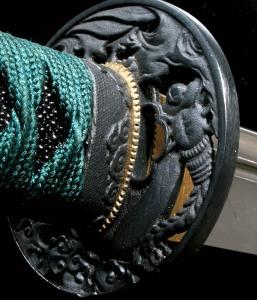 Округлая гардв японского меча