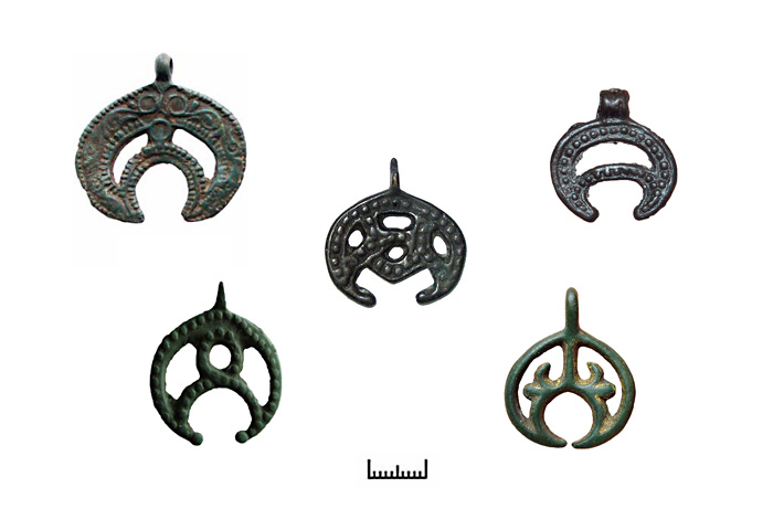 Древни обереги - прорезные лунницы
