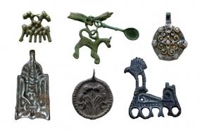 http://www.kulturologia.ru/files/u1834/amulet-slavs-rus.jpg