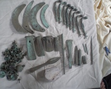 Клад бронзовых изделий культуры Ноуа XIV-XIII вв. до н.э.